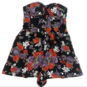 Band of Gympsies Black Floral Strapless Romper L